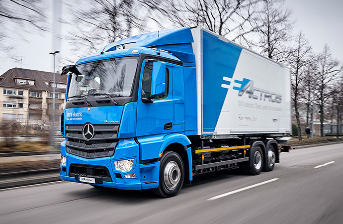 A Mercedes-Benz truck is en route.