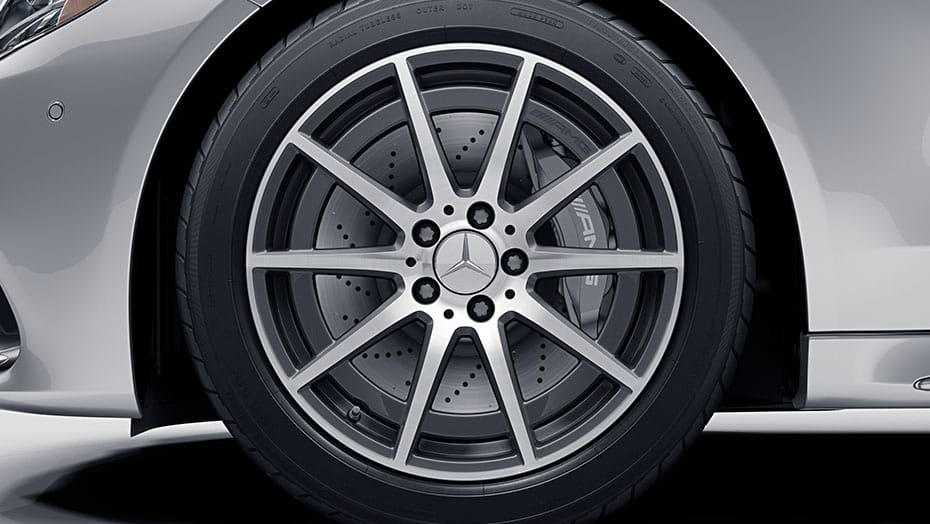 18-inch AMG 10-spoke wheels