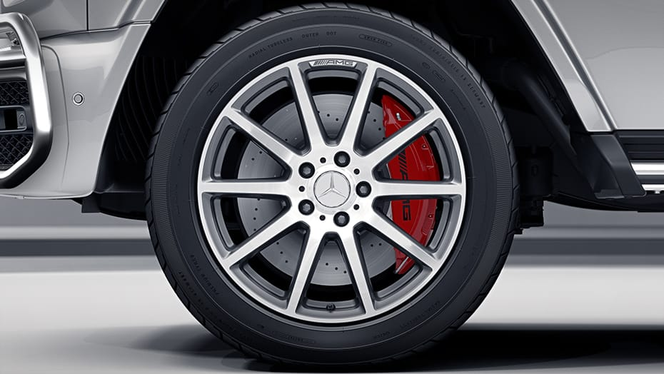 20-inch AMG 10-spoke wheels