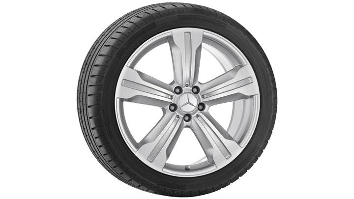 20-inch 5-spoke alloy wheels