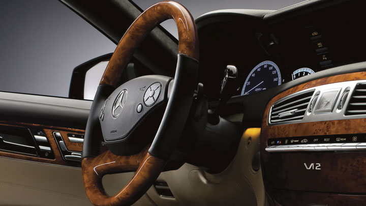 Heated/wood leather steering wheel