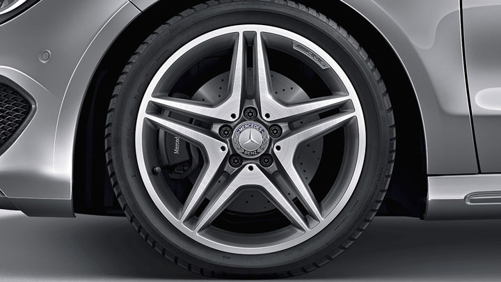 18-inch AMG twin 5-spoke wheels