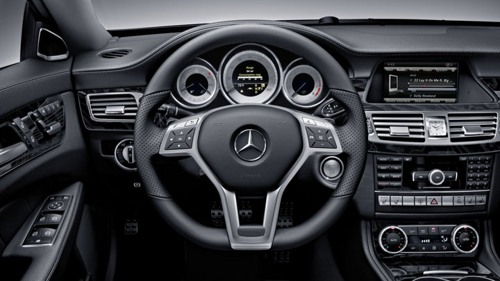 3-spoke sport steering wheel