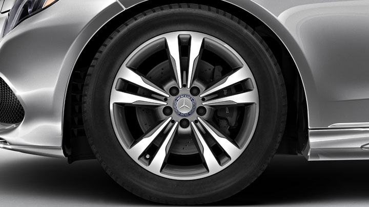 17-inch twin 5-spoke alloy wheels