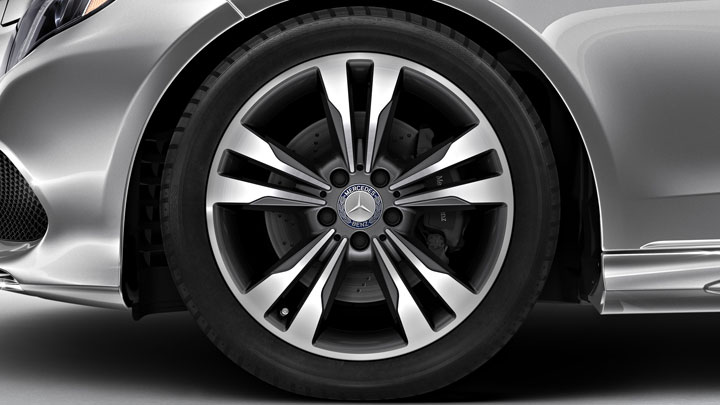 18-inch twin 5-spoke alloy wheels