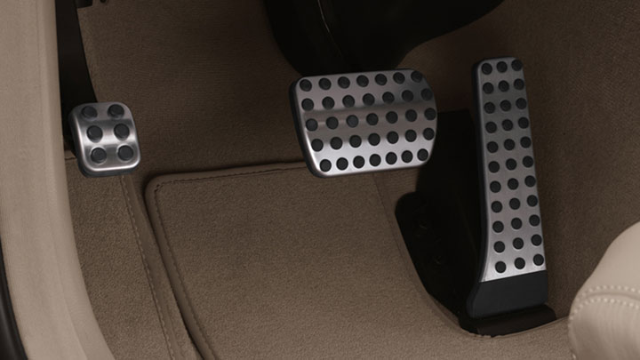 Brushed aluminum pedals