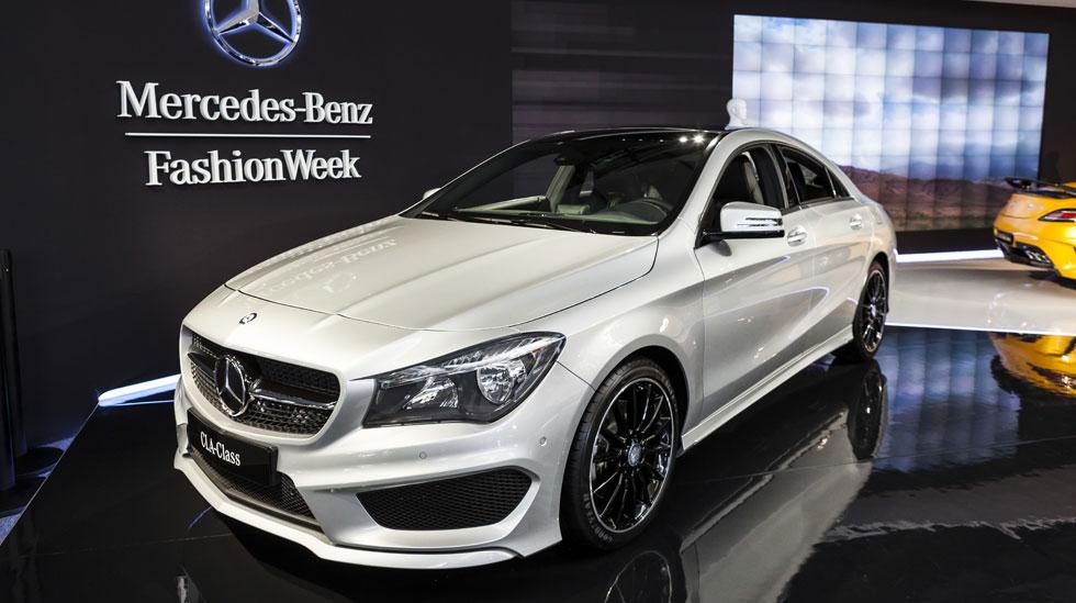 Mercedes Benz MB NYFW2013 065 Overlay