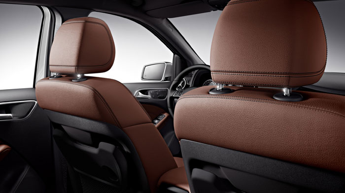 B-Class Electric Drive in Brown leather with standard rear-seat trays