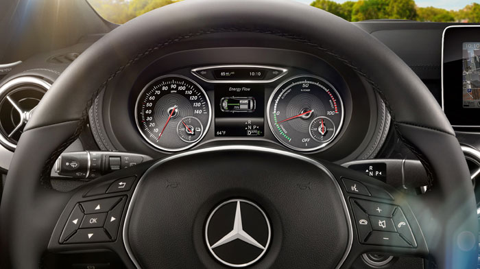 B-Class Electric Drive in Black with standard color multifunction display