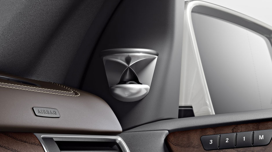 Mercedes Benz 2014 M CLASS SUV GALLERY 031 GOI D