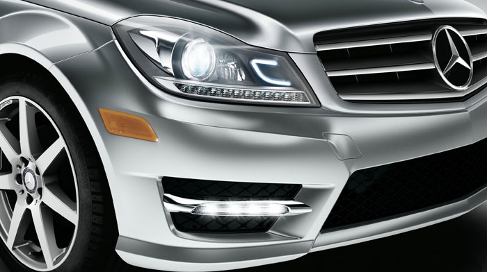 C-Class Coupe with optional active Bi-Xenon headlamps