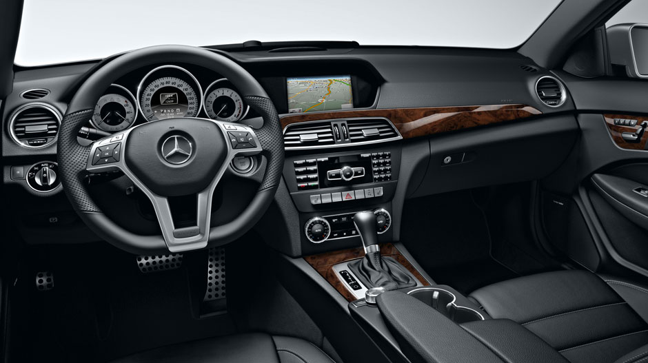 Mercedes Benz 2014 C CLASS COUPE GALLERY 012 GOI D