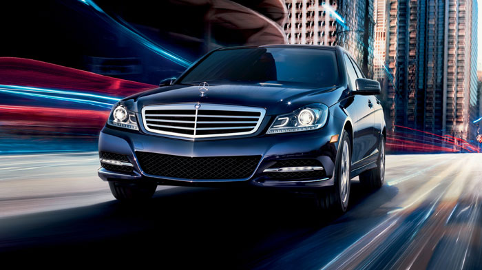 Luxury Sedan in Lunar Blue with Bi-Xenon headlamps