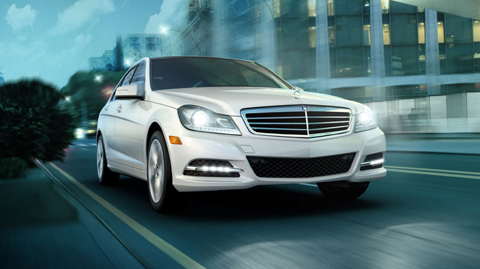 Luxury Sedan in Arctic White with Bi-Xenon headlamps