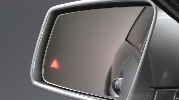 with Active Blind Spot Assist