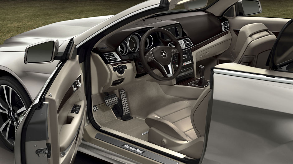 Mercedes Benz 2014 E CLASS CABRIOLET GALLERY 016 GOI D