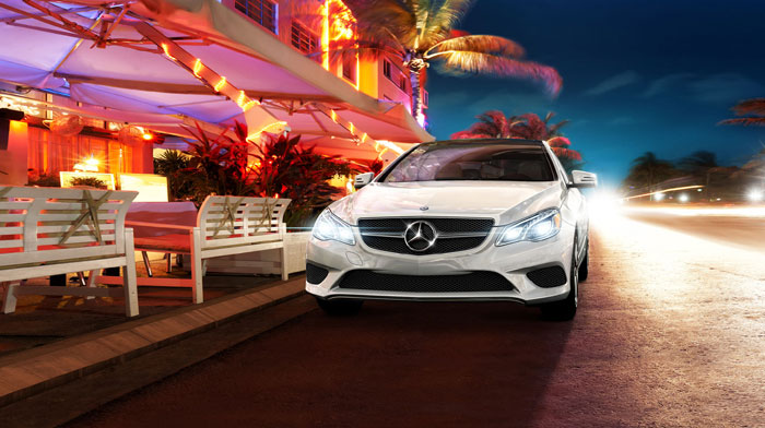 Coupe in Diamond White metallic with active full-LED headlamps
