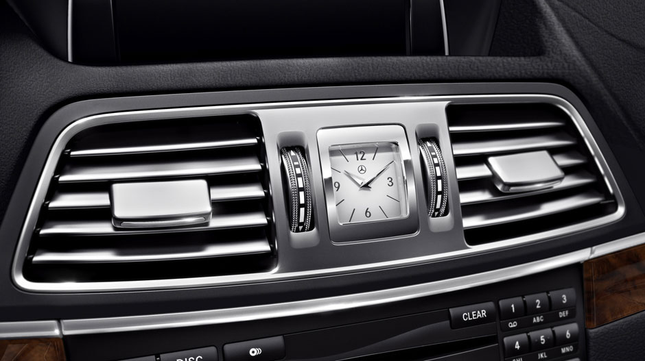 Mercedes Benz 2014 E CLASS COUPE GALLERY 011 GOI D