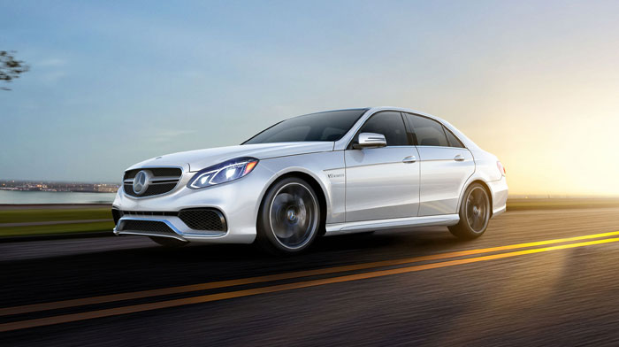 E63 AMG 4MATIC® in Diamond White with full-LED headlamps