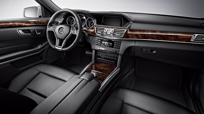 4MATIC Sport Wagon in Black with Burl Walnut wood trim