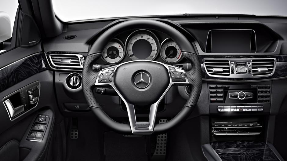Mercedes Benz 2014 E CLASS WAGON GALLERY 013 GOI D