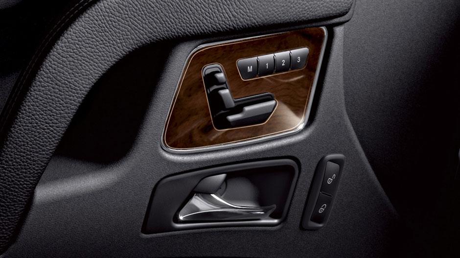 Mercedes Benz 2014 G CLASS SUV GALLERY 021 GOI D