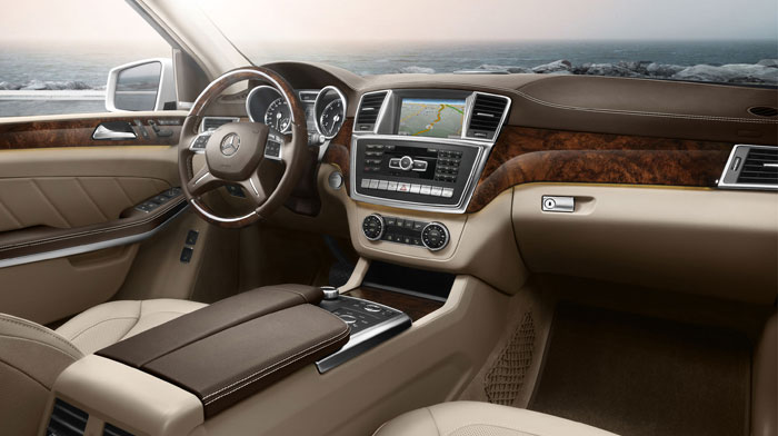4MATIC in Almond/Beige with Burl Walnut wood trim