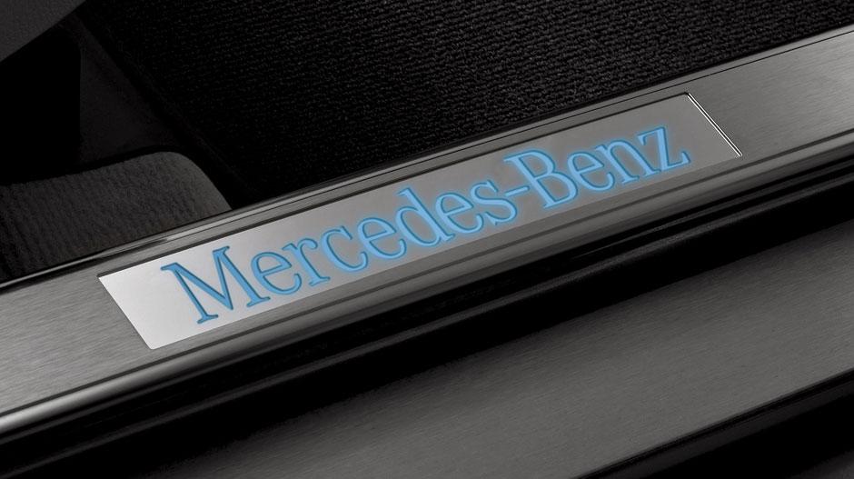 Mercedes Benz 2014 GLK CLASS SUV GALLERY 026 GOI D