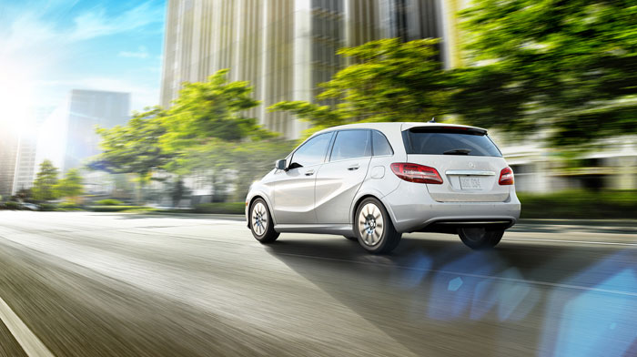 B-Class Electric Drive in Cirrus White with Active Parking Assist