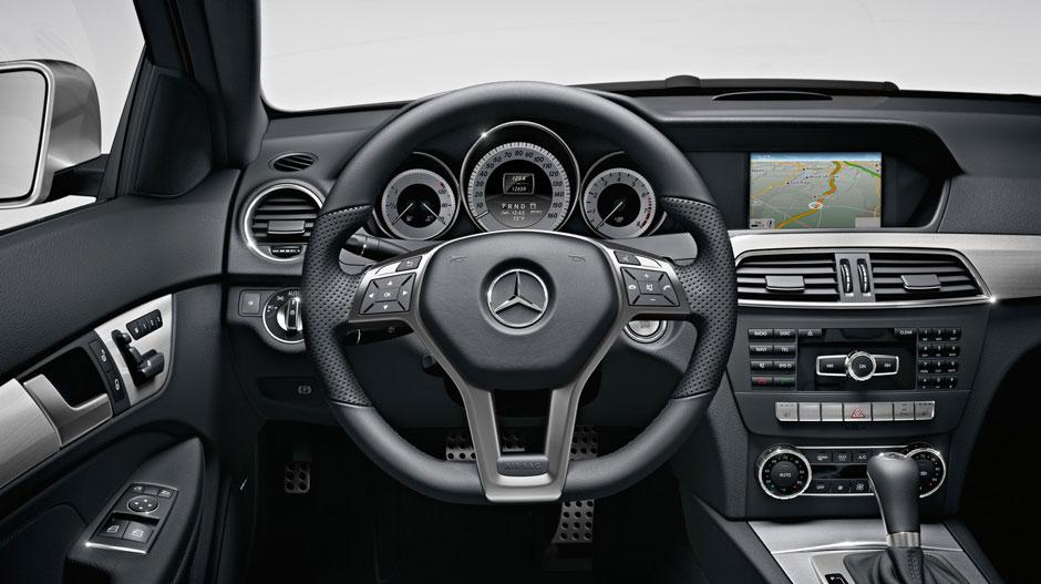 Mercedes Benz 2015 C CLASS COUPE GALLERY 014 GOI D