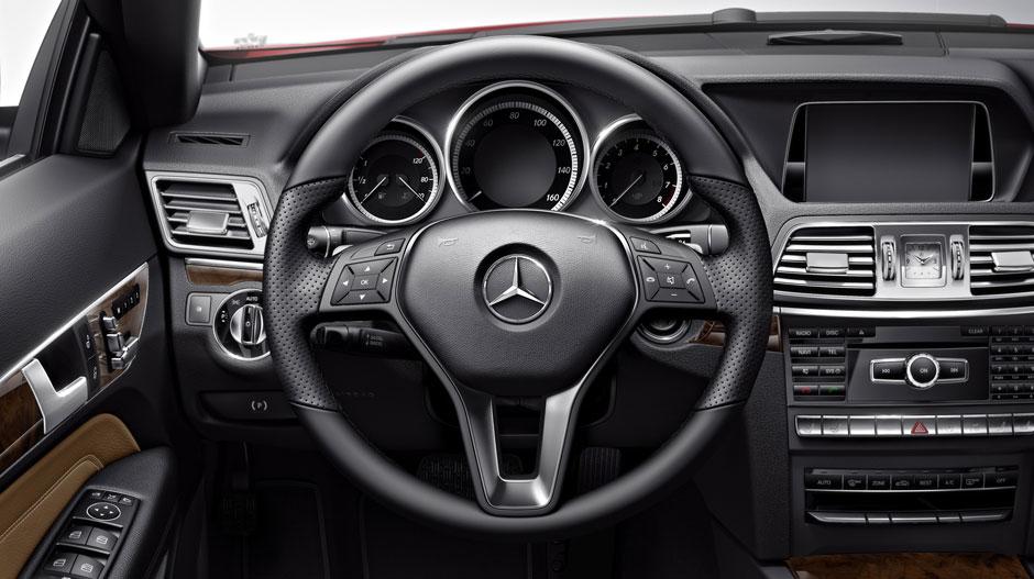 Mercedes Benz 2015 E CLASS COUPE GALLERY 007 GOI D