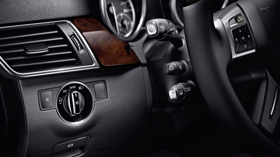 Mercedes Benz 2015 GL CLASS SUV GALLERY 025 GOI D