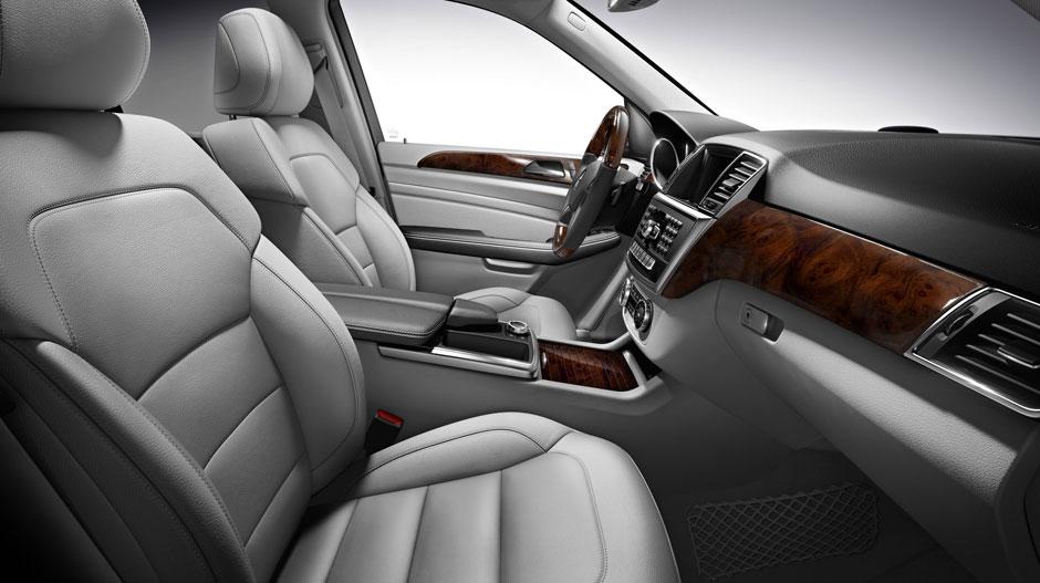 Mercedes Benz 2015 M CLASS SUV GALLERY 015 GOI D