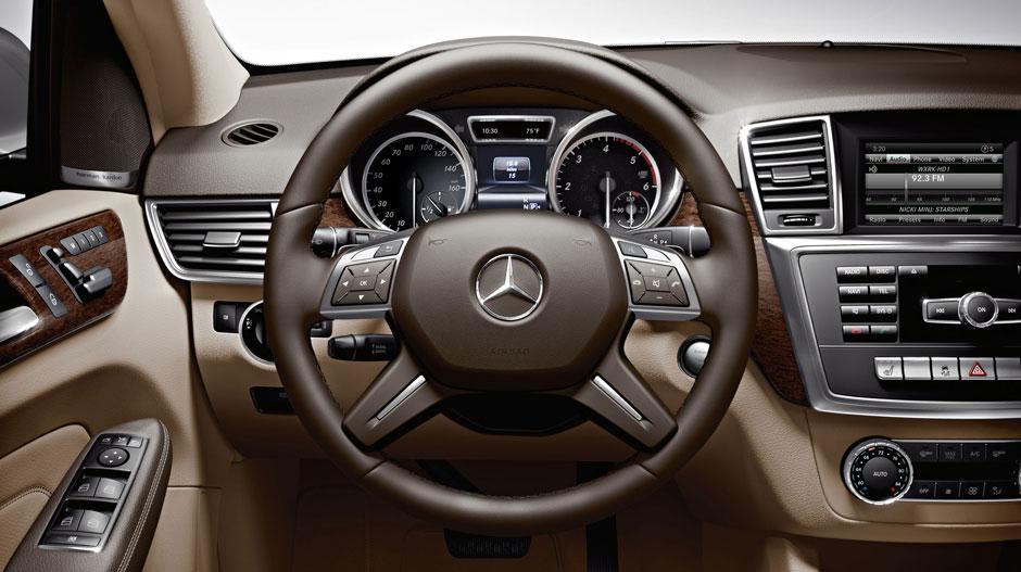 Mercedes Benz 2015 M CLASS SUV GALLERY 017 GOI D