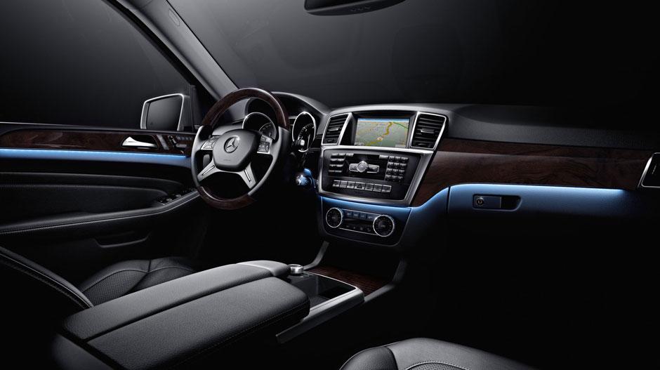 Mercedes Benz 2015 M CLASS SUV GALLERY 018 GOI D